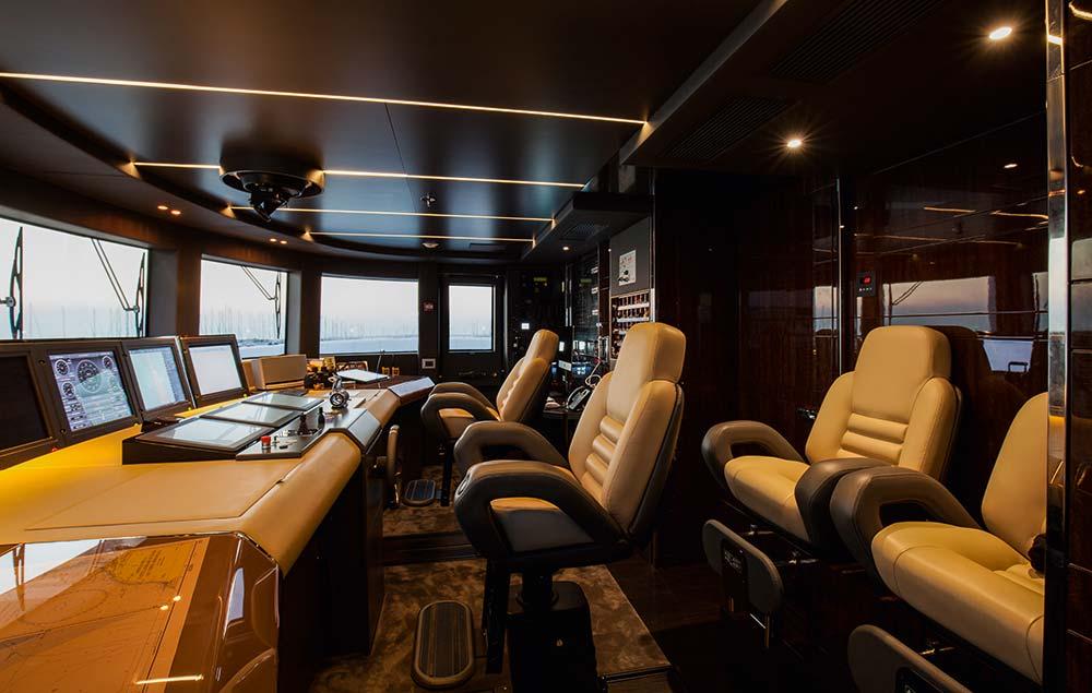Benetti Domani mega yacht
