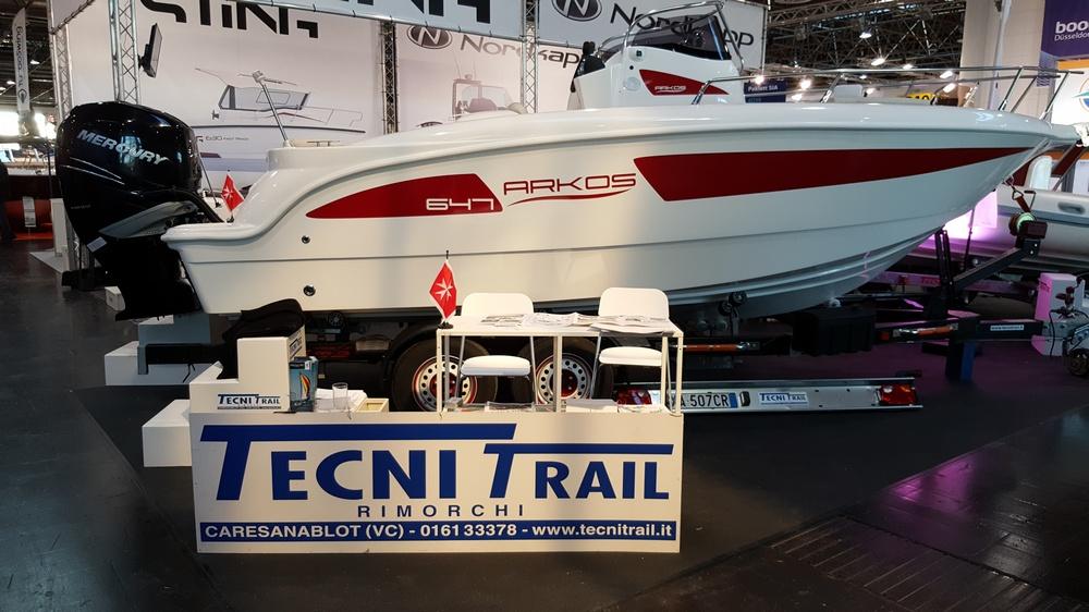 Tecnitrail custom boat trailers
