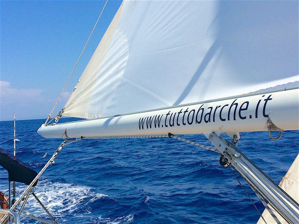 sailing cruise to Capraia