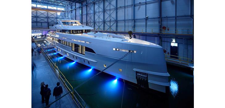 Heensen Yachts Home hybrid yacht