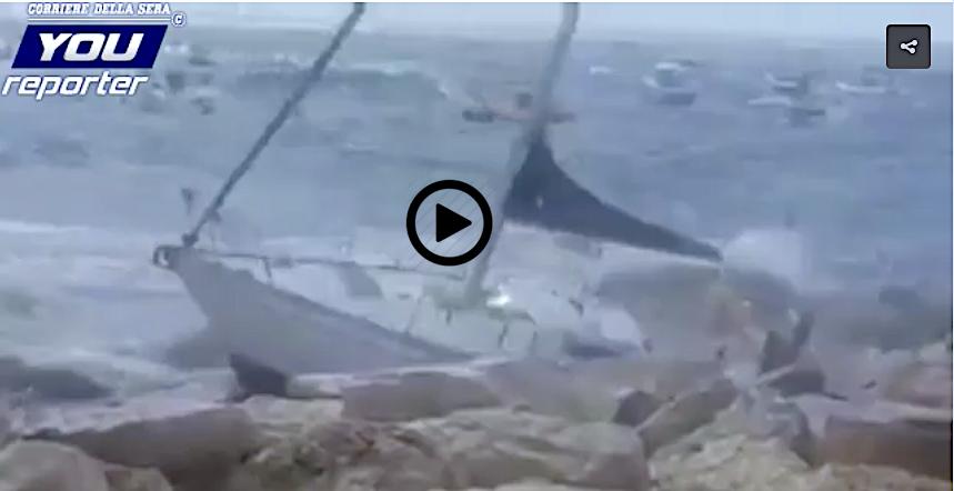 sailboat crashes into rocks in naples