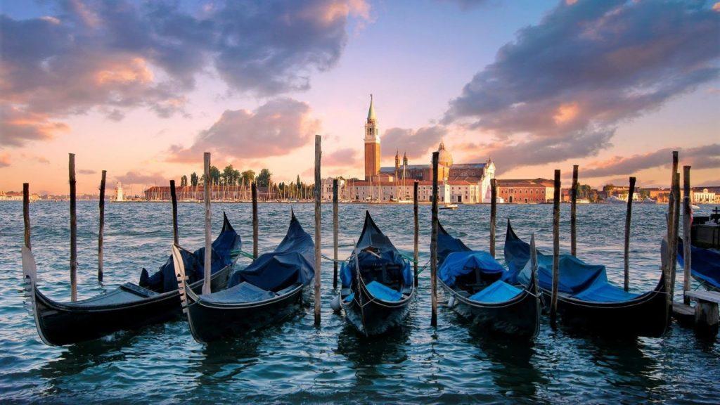 venice-gondola-itineraries