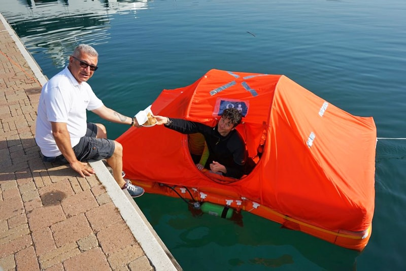 Arimar life raft morning