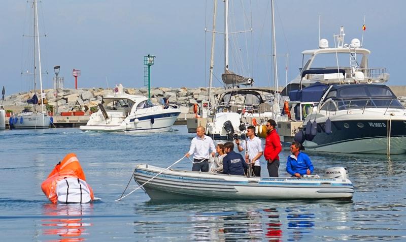 Arimar life raft opening