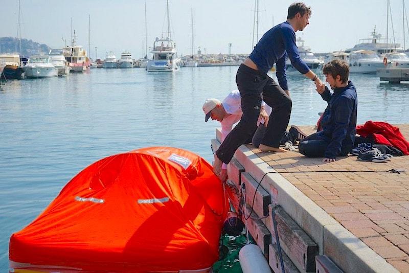 Arimar life raft