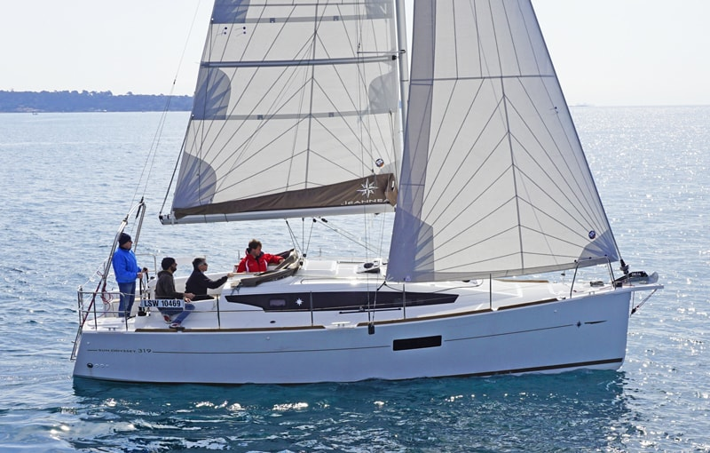 jeanneau-odyssey-319- hull