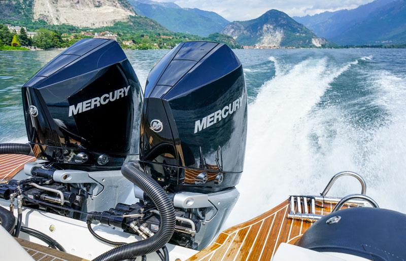 Mercury-Verado-300-V8 engines Test, running