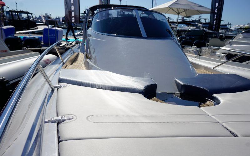 Nuova Jolly Prince 38 Sport Cabin, bow