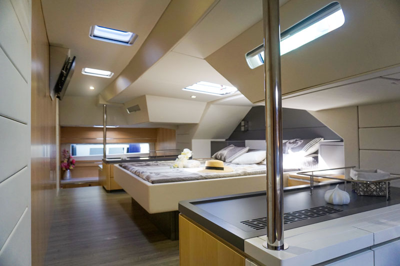 Privilege Euphorie 5, king-size bed
