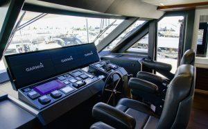 Ocean Alexander 90R, console