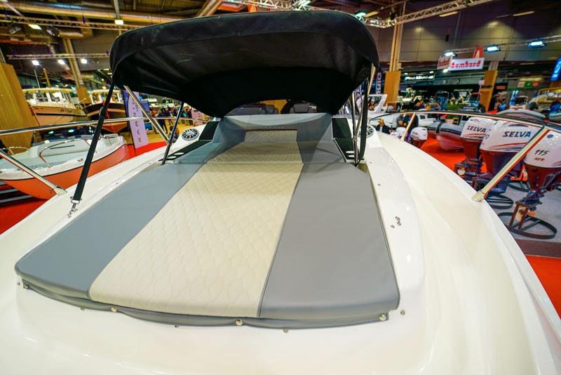 Karnic SL 800, forward sun pad