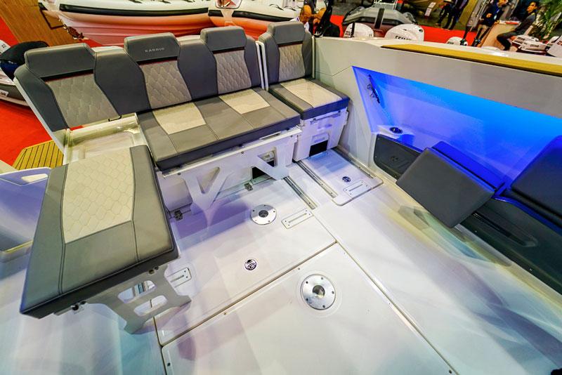 Karnic SL 800, sliding seats