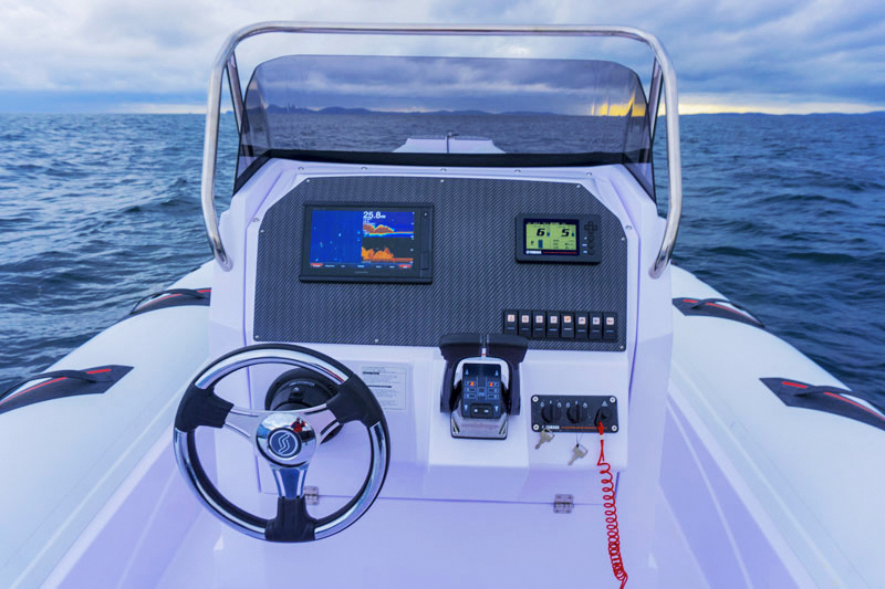 Selva Marine D.900 Special Sea Trial, steering console
