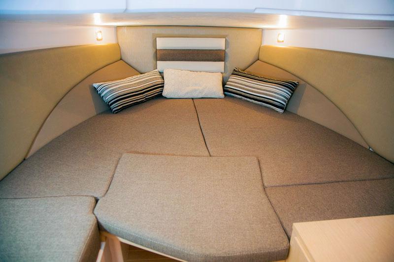 Next 220 SH, forward bed