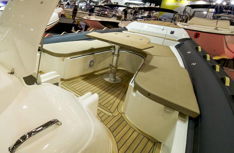 Prince 44 CC, forward table