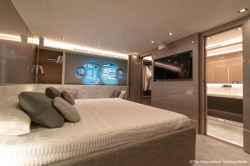 Montecarlo Yachts MCY 70, cabin