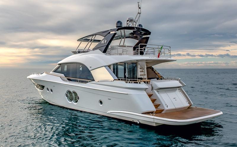 Montecarlo Yachts MCY 70, stern