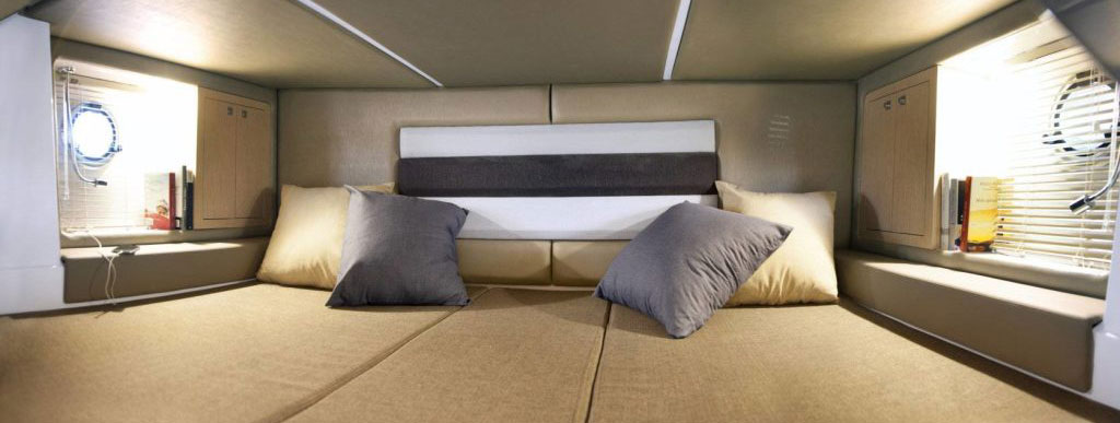 Ranieri 370 SH America, cabin