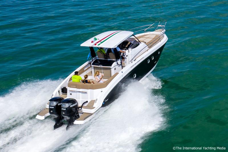 Ranieri 370 SH America navigation
