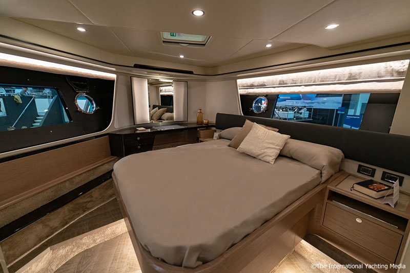 Absolute 62 Fly, Vip cabin