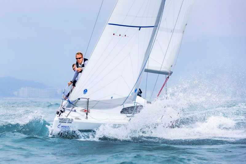 fast boat racing