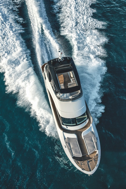 Monte Carlo Yachts MCY 66, bow