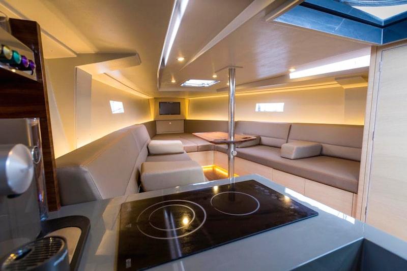 Saffier SE 37 Lounge, dinette