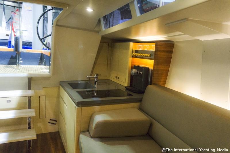 Saffier SE 37 Lounge, galley