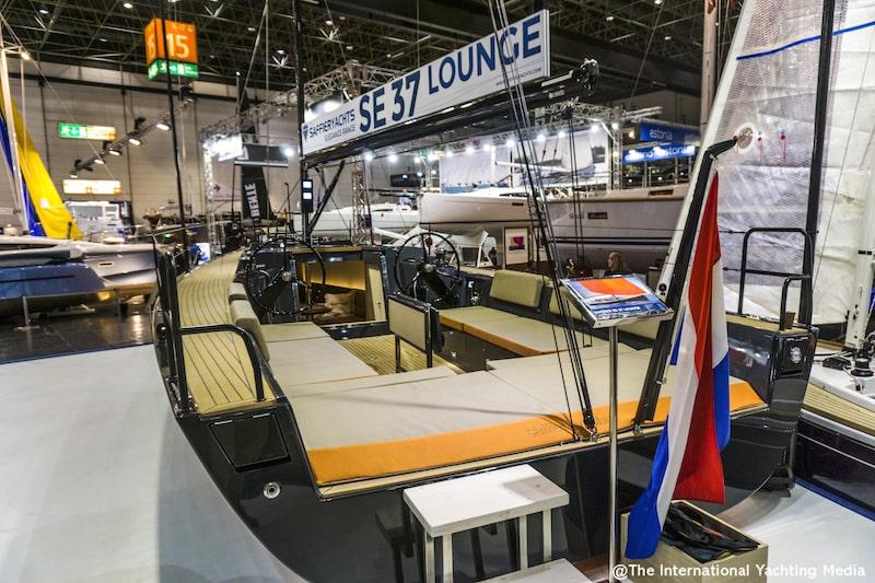 Saffier SE 37 Lounge, sun pad