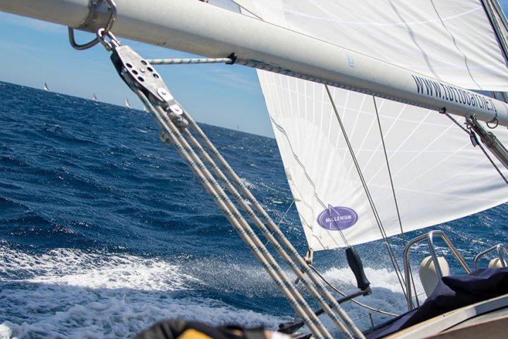 Hi-tech dacron sails