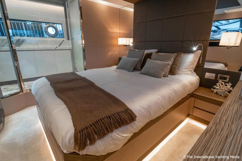 Uniesse 56 SS, master cabin