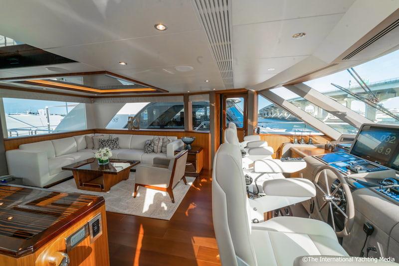 Ocean Alexander 100 Skylounge, interiors
