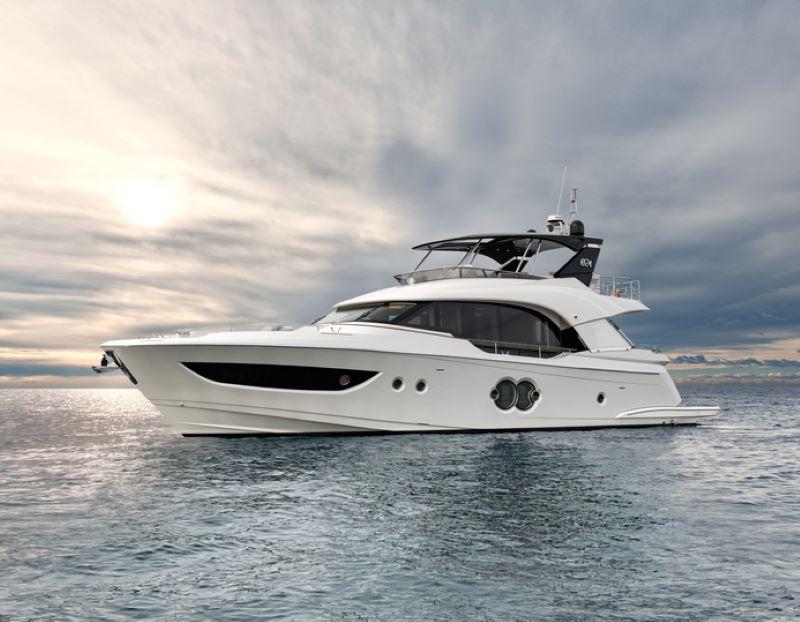 Monte Carlo Yachts MCY70, mooring