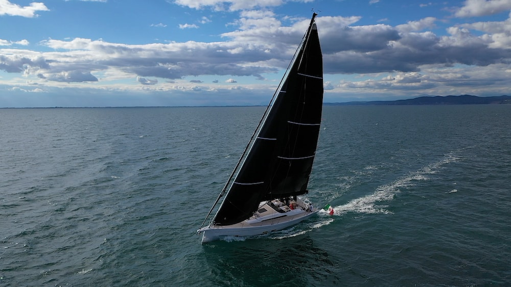GS 48 Performance sailing close to the wind