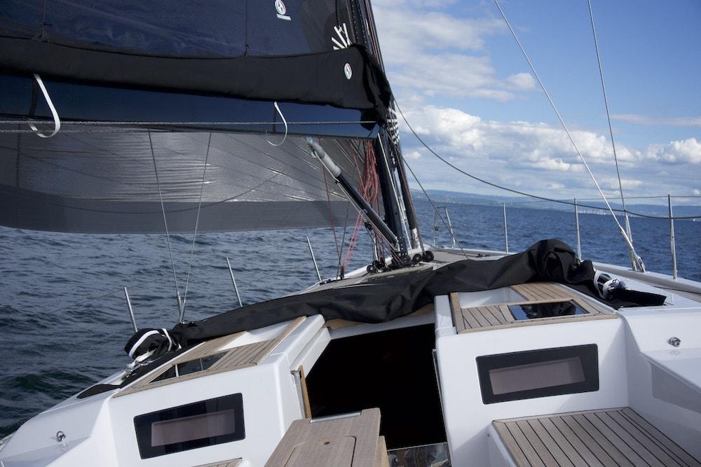 GS 48 Performance, stern
