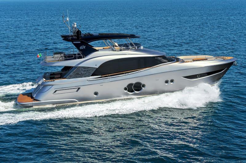 MCY76 at sea