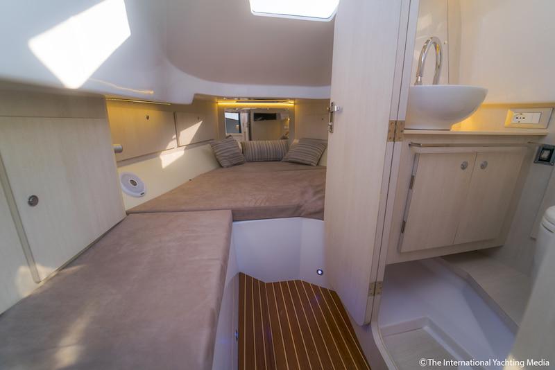 Magazzù MX-11 Coupé, cabin