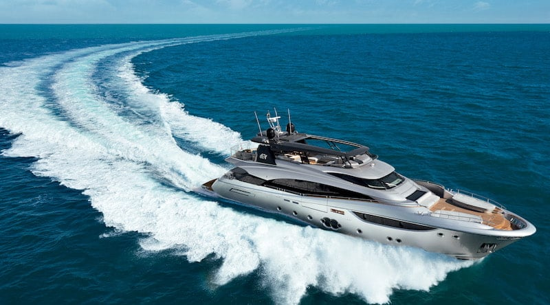 MCY105 at sea