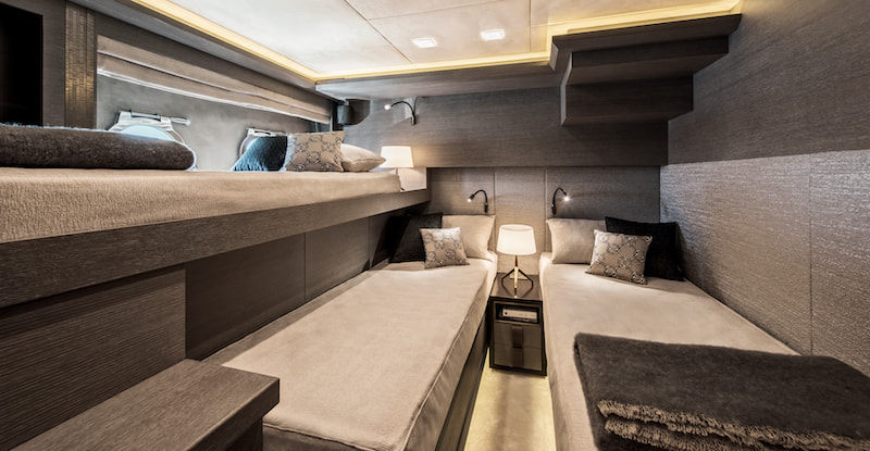 MCY105, guest cabin