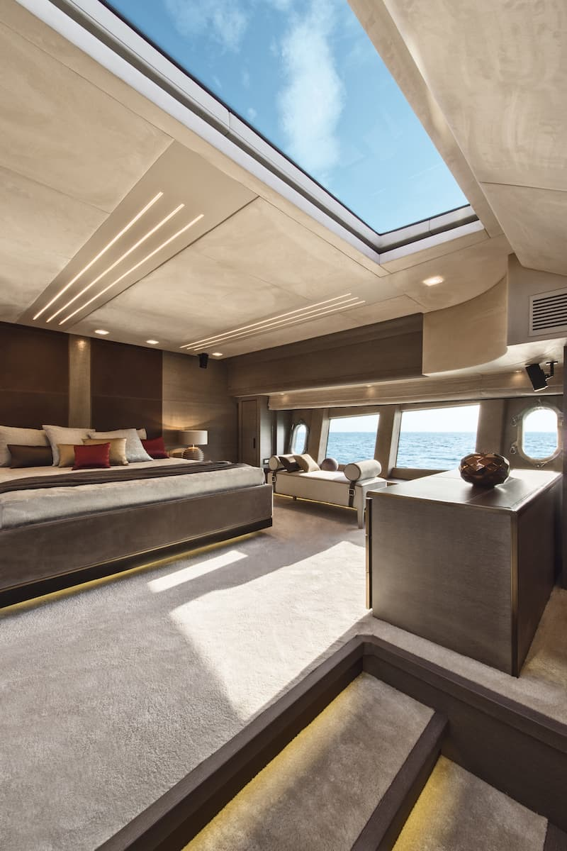 MCY105, master cabin 2