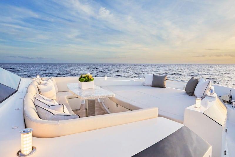 Ocean Alexander 84R bow lounge