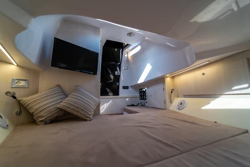 Magazzù MX-11 interiors