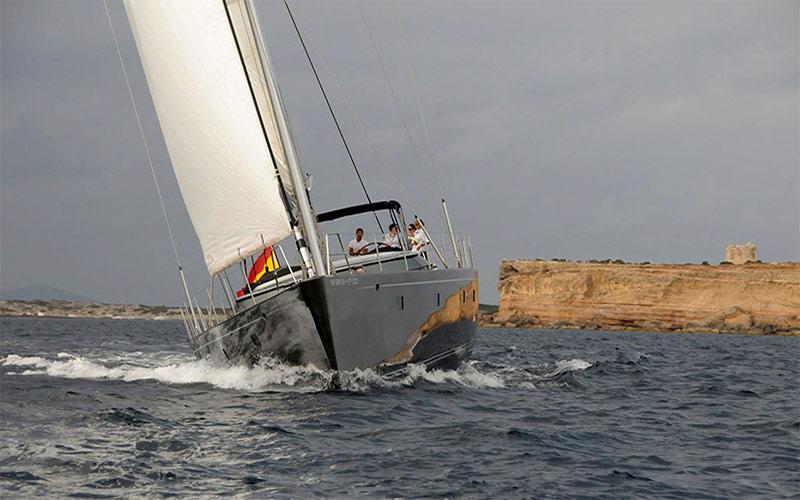 SY Concordia, bow