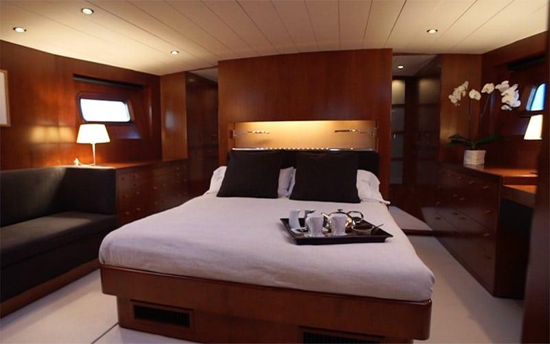 SY Concordia, master cabin