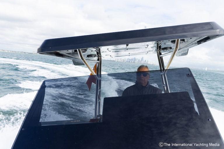 Zar 95 SL at sea