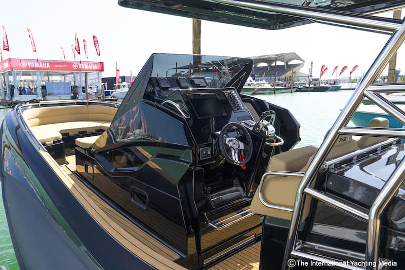 Zar 95 SL, steering console