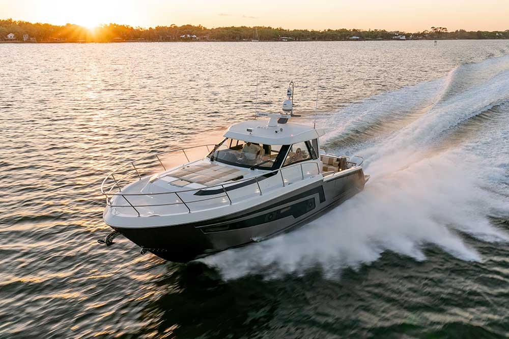 Ocean Alexander Divergence 45 Coupe