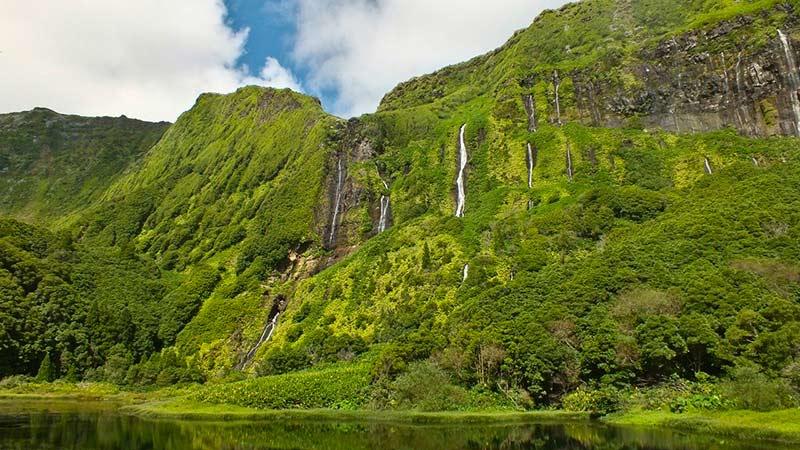 Ribeira do Ferreiro waterfalls