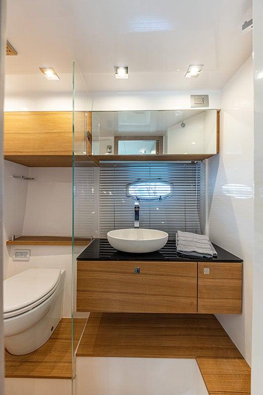 Rio Yachts Paranà 38, toilet