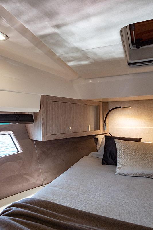 Sessa Marine Fly 42, master cabin